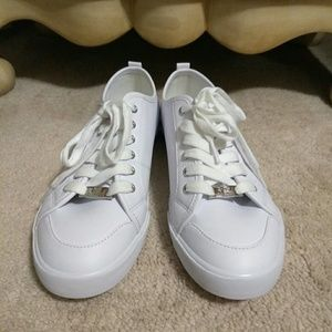White Guess Sneaker w/Silver Glitter Accent